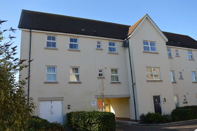 2 Bedrooms Flat for sale in Pastures Avenue, St Georges, Weston-super-Mare
