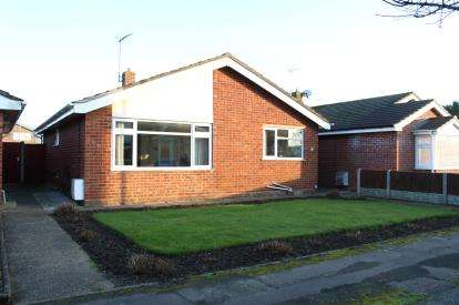 3 Bedrooms Bungalow for sale in Gorleston, Great Yarmouth, Norfolk