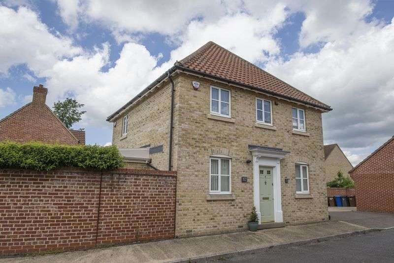 3 Bedrooms Detached House for sale in Myrtle Close, Bury St Edmunds