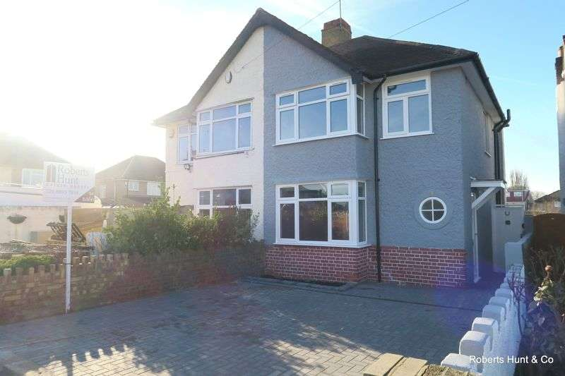 3 Bedrooms Semi Detached House for sale in East Road, Bedfont