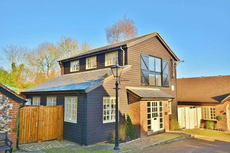 2 Bedrooms Flat for sale in Penn