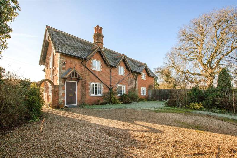 5 Bedrooms Detached House for sale in Lambwood Hill, Grazeley, Reading, Berkshire, RG7