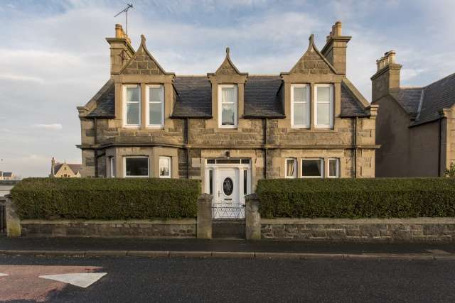 4 Bedrooms Detached House for sale in Boyndie Street West, Banff, Aberdeenshire, AB45 1EY