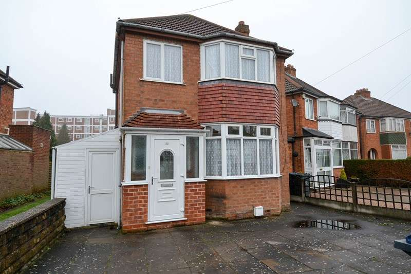 3 Bedrooms Detached House for sale in Sylvan Avenue, Northfield, Birmingham