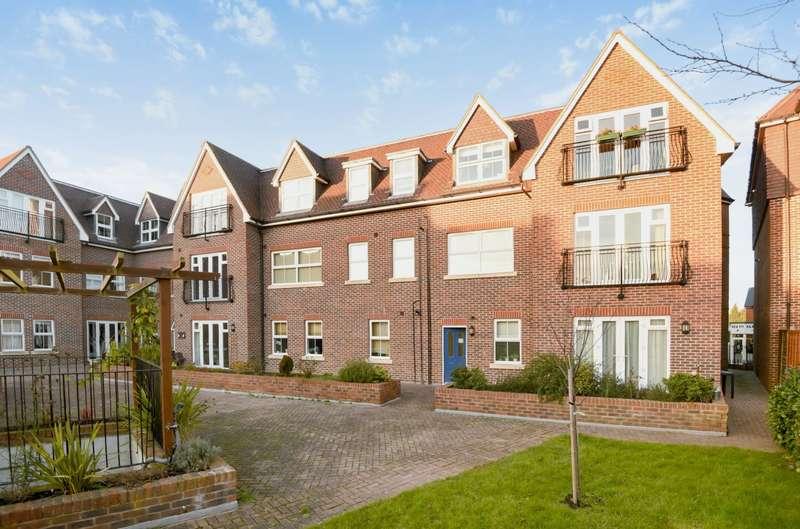 3 Bedrooms Apartment Flat for sale in Weybridge