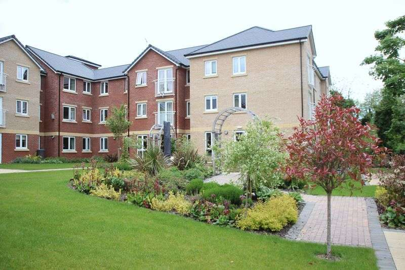1 Bedroom Flat for sale in Booth Court, Handford Road, Ipswich: One bed second floor Assisted Living retirement apartment