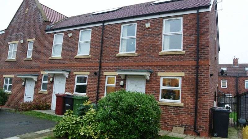 2 Bedrooms Terraced House for sale in Church Drive, Shirebrook, NG20 8RZ