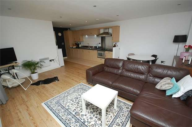 2 Bedrooms Flat for sale in Apartment 1120, X Q 7 Building, Taylorson Street South, SALFORD, Greater Manchester