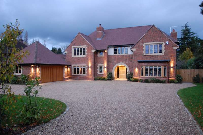 6 Bedrooms Detached House for sale in Doggetts Wood Lane, Chalfont St Giles, HP8