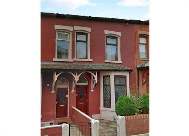 4 Bedrooms Terraced House for sale in Holland Street, Blackburn, Lancashire