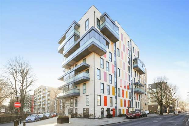 2 Bedrooms Flat for sale in Herrick Court, Bollo Bridge Road, Acton