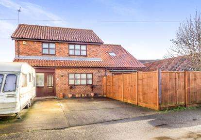 5 Bedrooms Detached House for sale in Martham, Great Yarmouth, Norfolk