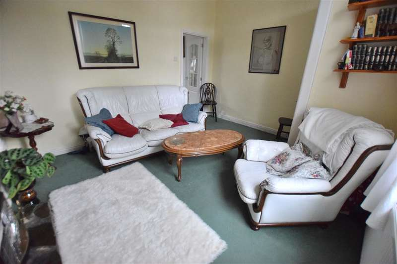 2 Bedrooms House for sale in Manchester Road, Heywood