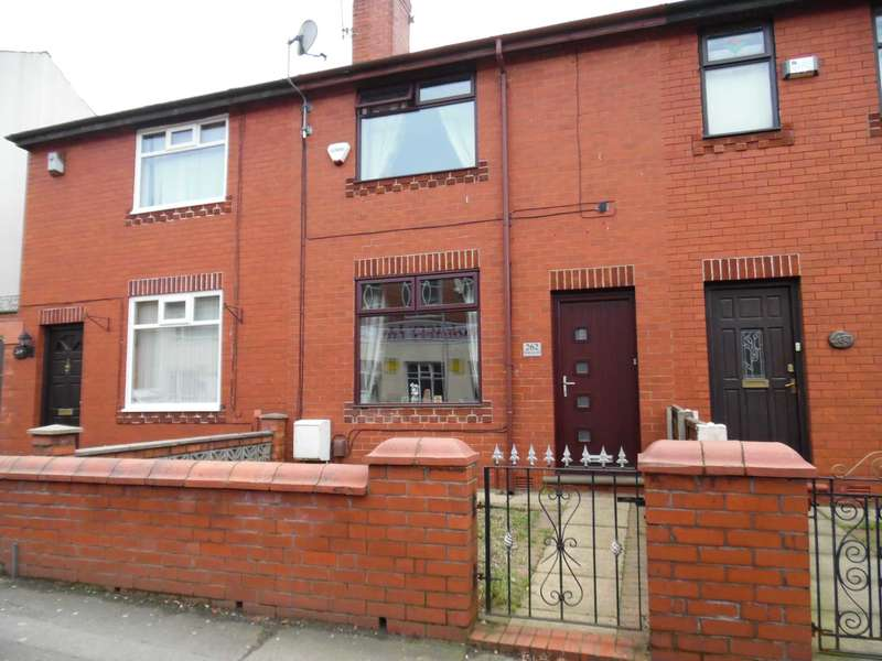 3 Bedrooms Town House for sale in Fields New Road, Chadderton