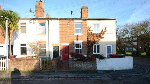 2 Bedrooms Terraced House for sale in Western Road, Reading, Berkshire