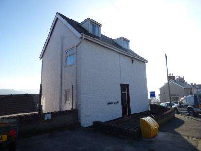 4 Bedrooms Detached House for sale in Pendre Road, Penrhynside, Llandudno, Conwy, LL30
