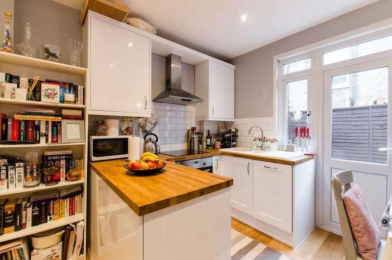 2 Bedrooms Flat for sale in Delia Street, Earlsfield, SW18