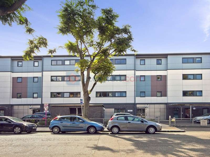 2 Bedrooms Flat for sale in Lynton Road, Bermondsey SE1