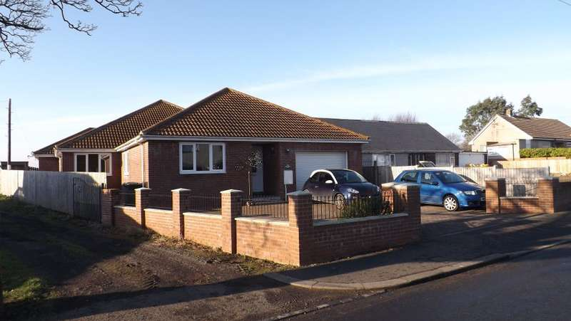 4 Bedrooms Bungalow for sale in Main Street, Red Row, Morpeth, Northumberland, NE61 5AH