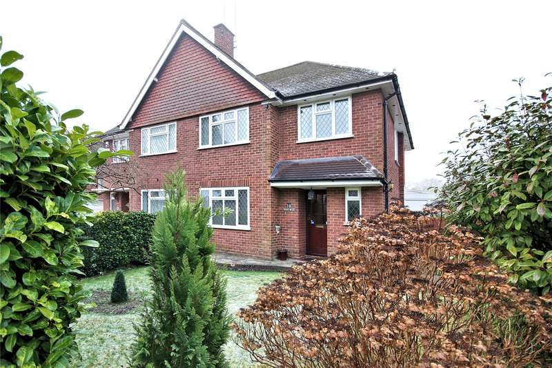 3 Bedrooms Semi Detached House for sale in East Hill, Woking, Woking, GU22
