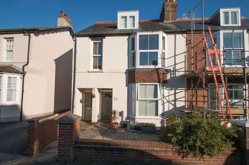 2 Bedrooms Flat for sale in Lyndhurst Road, Chichester