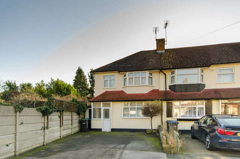 4 Bedrooms House for sale in Queens Road, Enfield, EN1