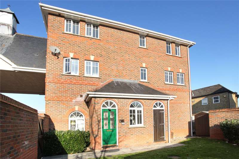 2 Bedrooms Flat for sale in Gleeson Mews, Addlestone, Surrey, KT15