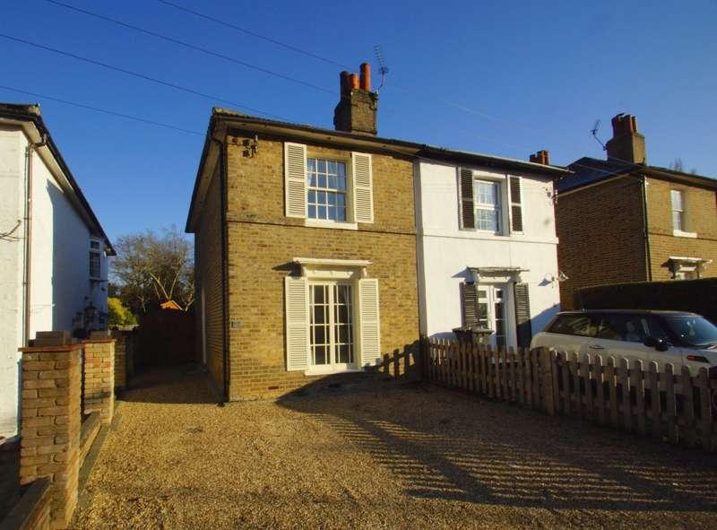 3 Bedrooms Semi Detached House for sale in Leonard Place, Keston