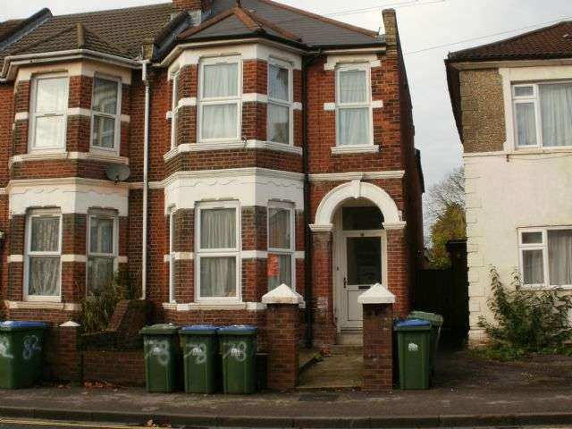 7 Bedrooms Semi Detached House for rent in Lodge Road, Portswood, Southampton