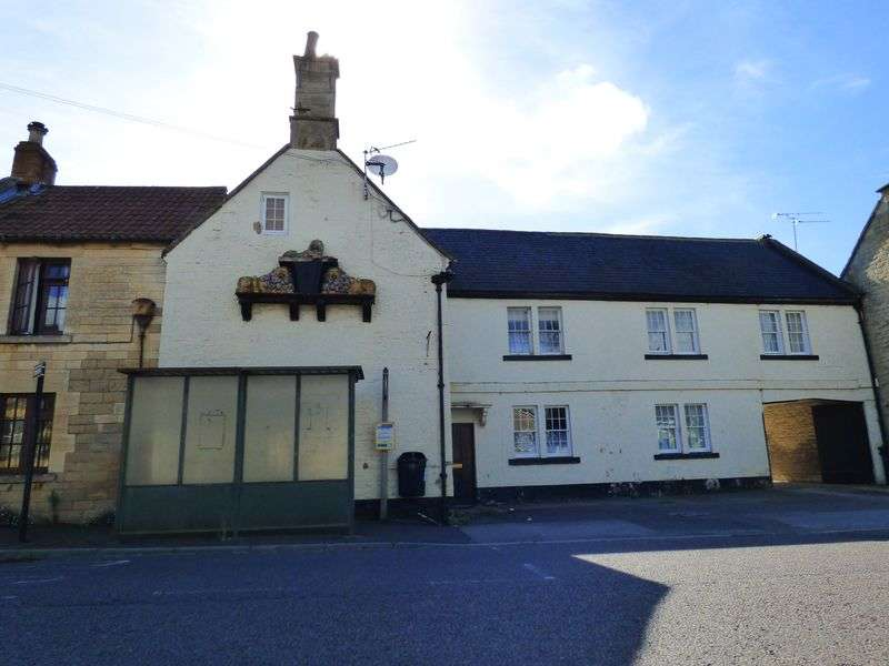 2 Bedrooms Terraced House for sale in The Street, Holt