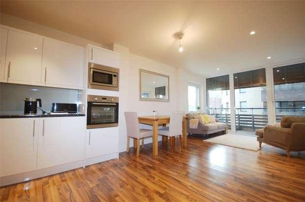 2 Bedrooms Flat for sale in 2 Hillside, Harlesden, London