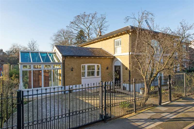 4 Bedrooms Detached House for sale in Clifton Road, London, SW19