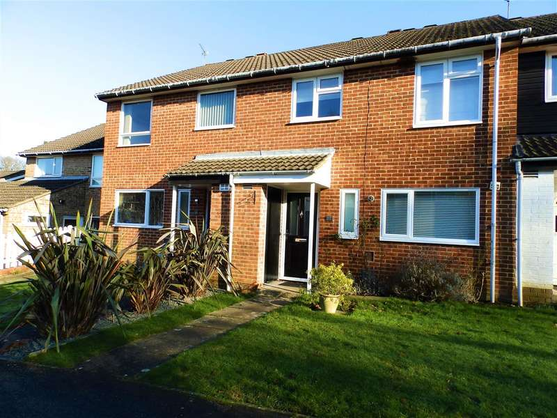 4 Bedrooms Terraced House for sale in Badgers Close, Horsham