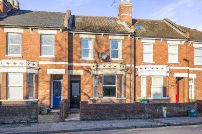4 Bedrooms Terraced House for sale in Gloucester Road, Cheltenham, Gloucestershire, England