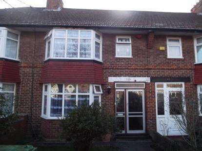 4 Bedrooms Terraced House for sale in Oakleigh Avenue, Edgware