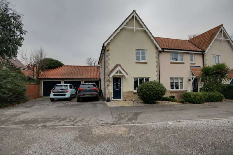 3 Bedrooms End Of Terrace House for sale in Hazel Close, Noak Bridge