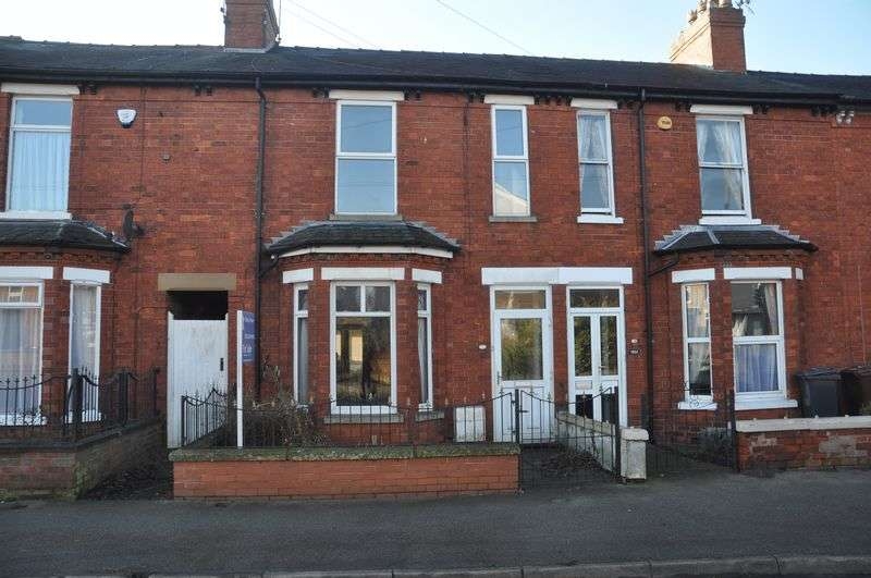 3 Bedrooms Terraced House for sale in Burton Road, Lincoln