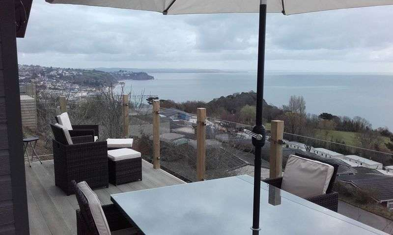 2 Bedrooms Bungalow for sale in Coast View Holiday Park, Torquay Road, Shaldon, Devon, TQ14 0BG
