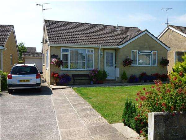 2 Bedrooms Bungalow for sale in Shreen Way, Gillingham