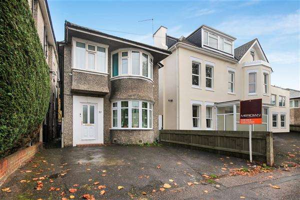 3 Bedrooms Flat for sale in Westby Road, Bournemouth