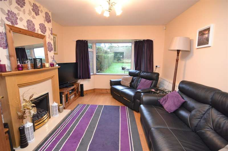 3 Bedrooms Semi Detached House for sale in St Peters Gardens, Stafford