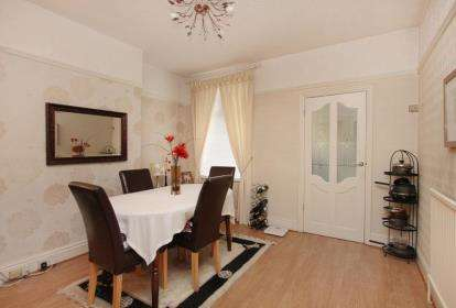 2 Bedrooms Terraced House for sale in Aisthorpe Road, Sheffield, South Yorkshire