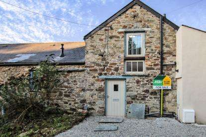 4 Bedrooms Terraced House for sale in Lostwithiel, Cornwall, England