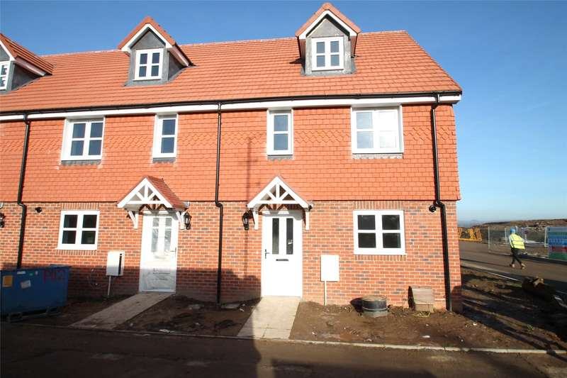 3 Bedrooms End Of Terrace House for sale in Toddington Lane, Littlehampton, West Sussex, BN17