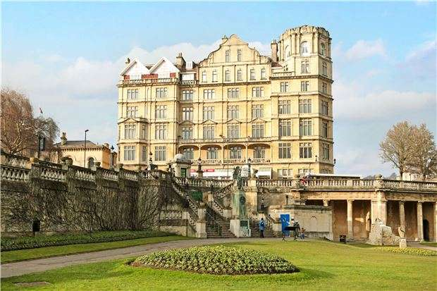 1 Bedroom Flat for sale in The Empire, Grand Parade, BATH