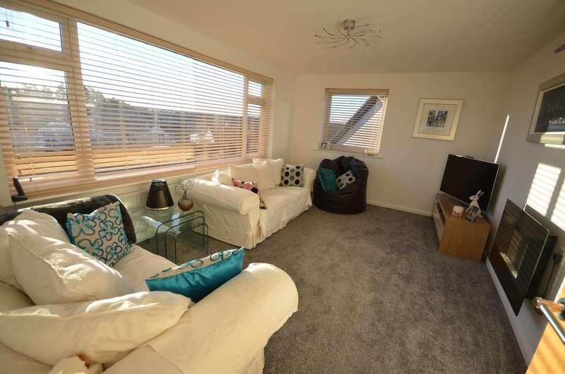 2 Bedrooms Detached Bungalow for sale in Treleaver Way, Truro