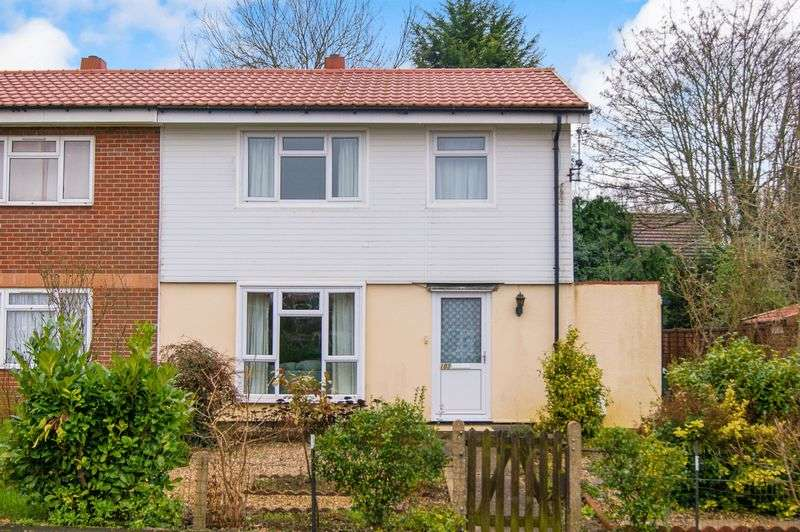 3 Bedrooms Semi Detached House for sale in Brittain Drive, Grantham