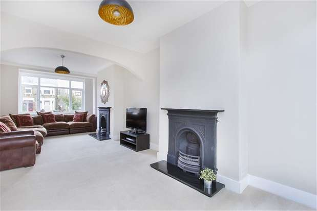 4 Bedrooms Terraced House for sale in Perry Rise, Forest Hill