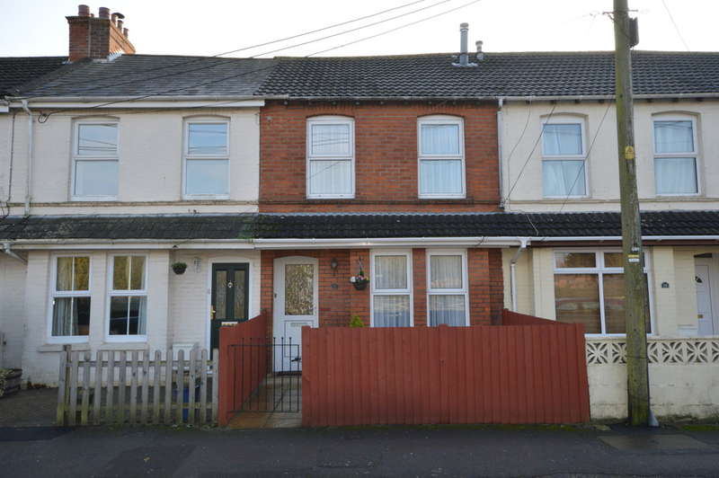 3 Bedrooms Terraced House for sale in Christchurch Road, New Milton