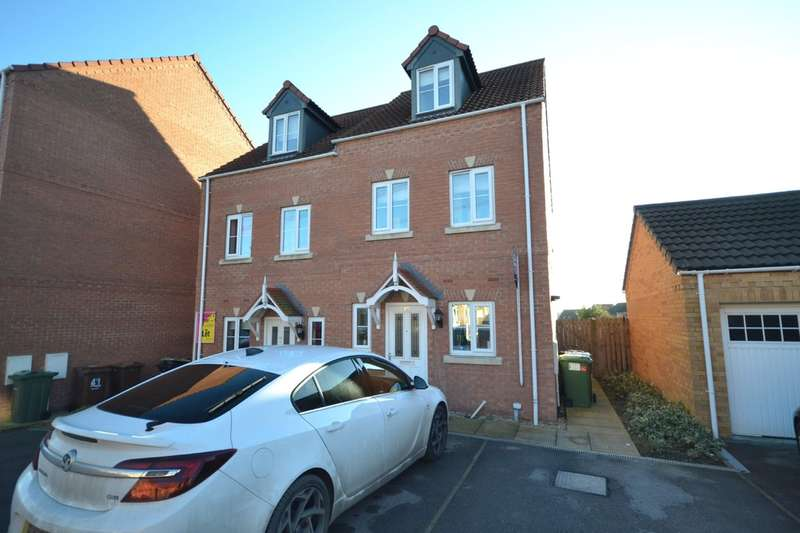 3 Bedrooms Semi Detached House for sale in Springfield Road, Lofthouse, Wakefield